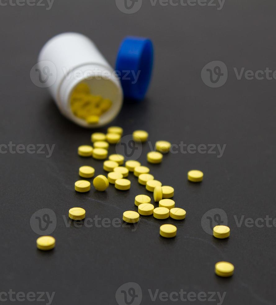 varietà di medicine e droghe foto