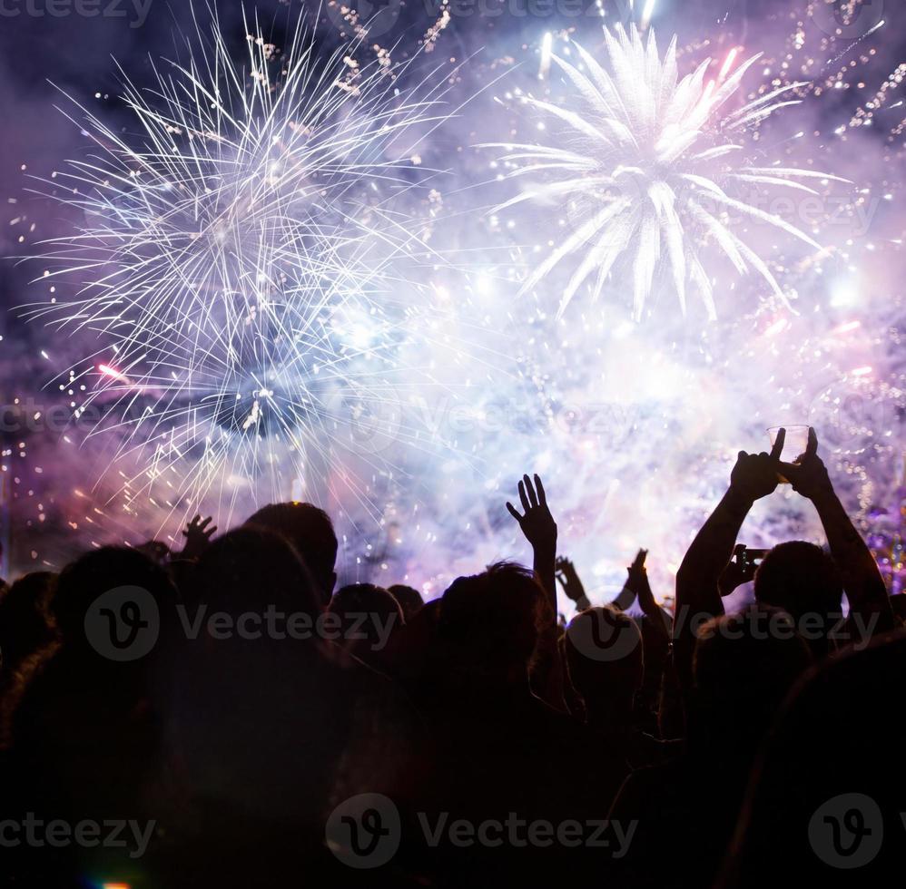 folla in attesa di nuovo anno foto