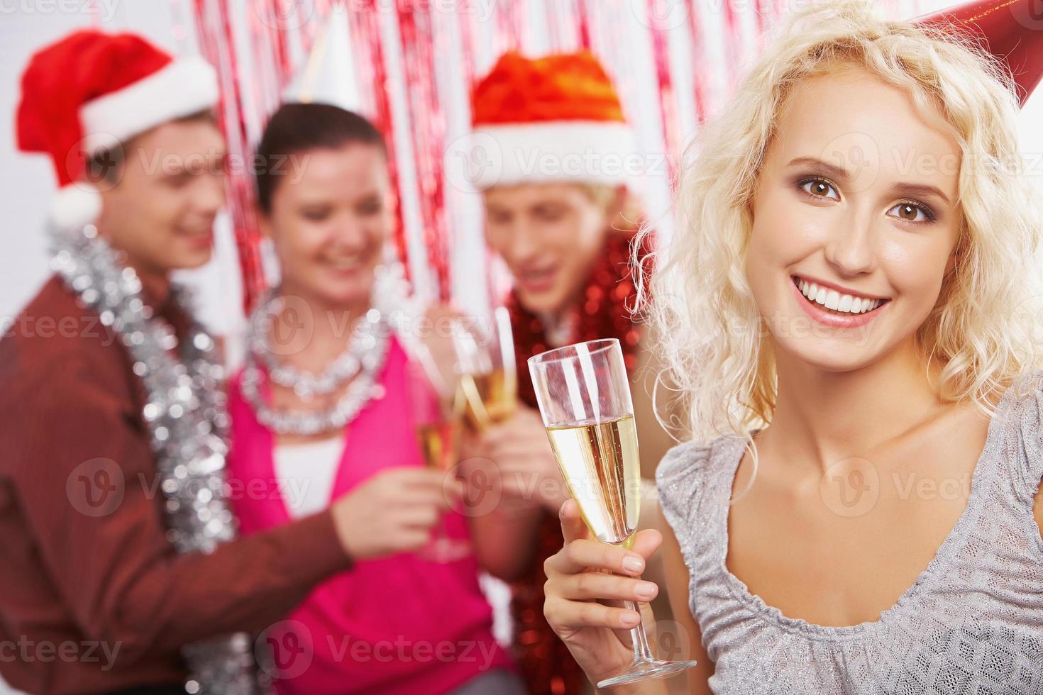 donna con champagne foto