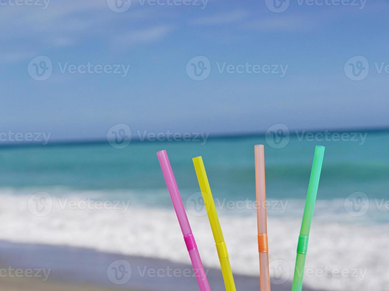 drink da spiaggia di paglia foto