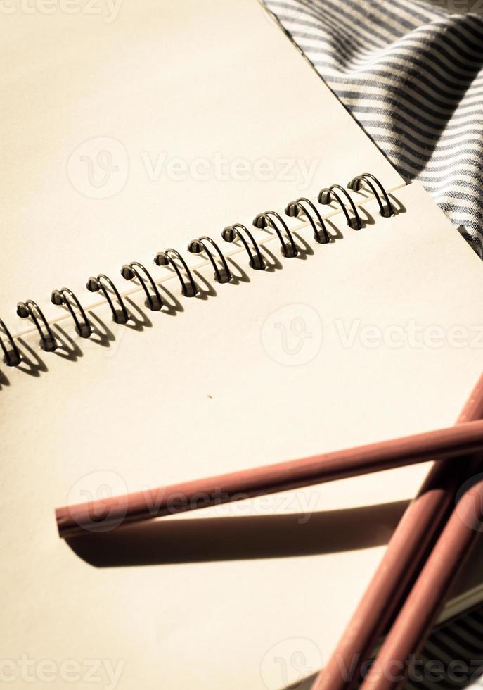 libro di testo in bianco foto