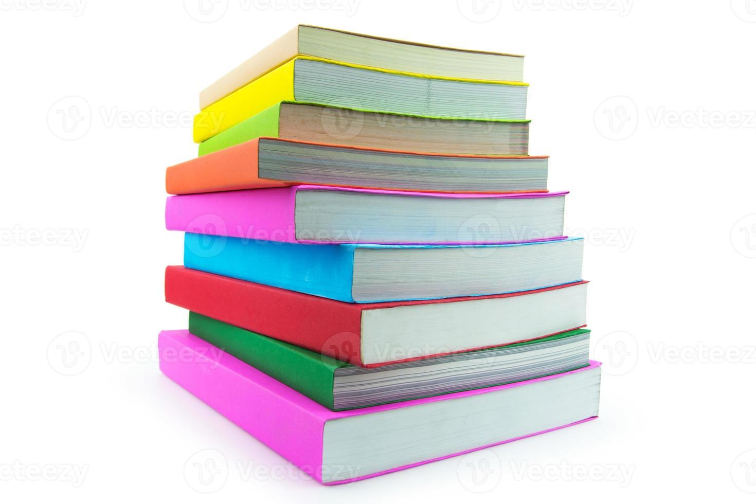 libro isolato su sfondo bianco foto