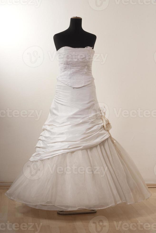 abito da sposa bianco foto