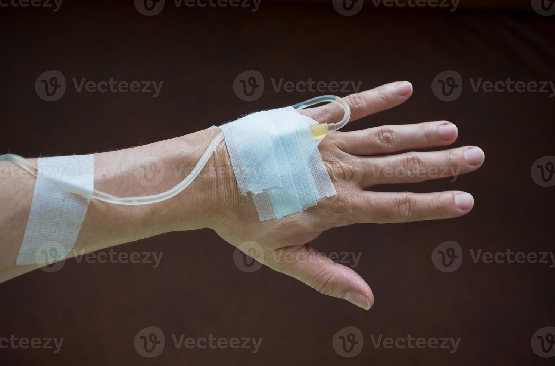 mano posteriore del paziente foto