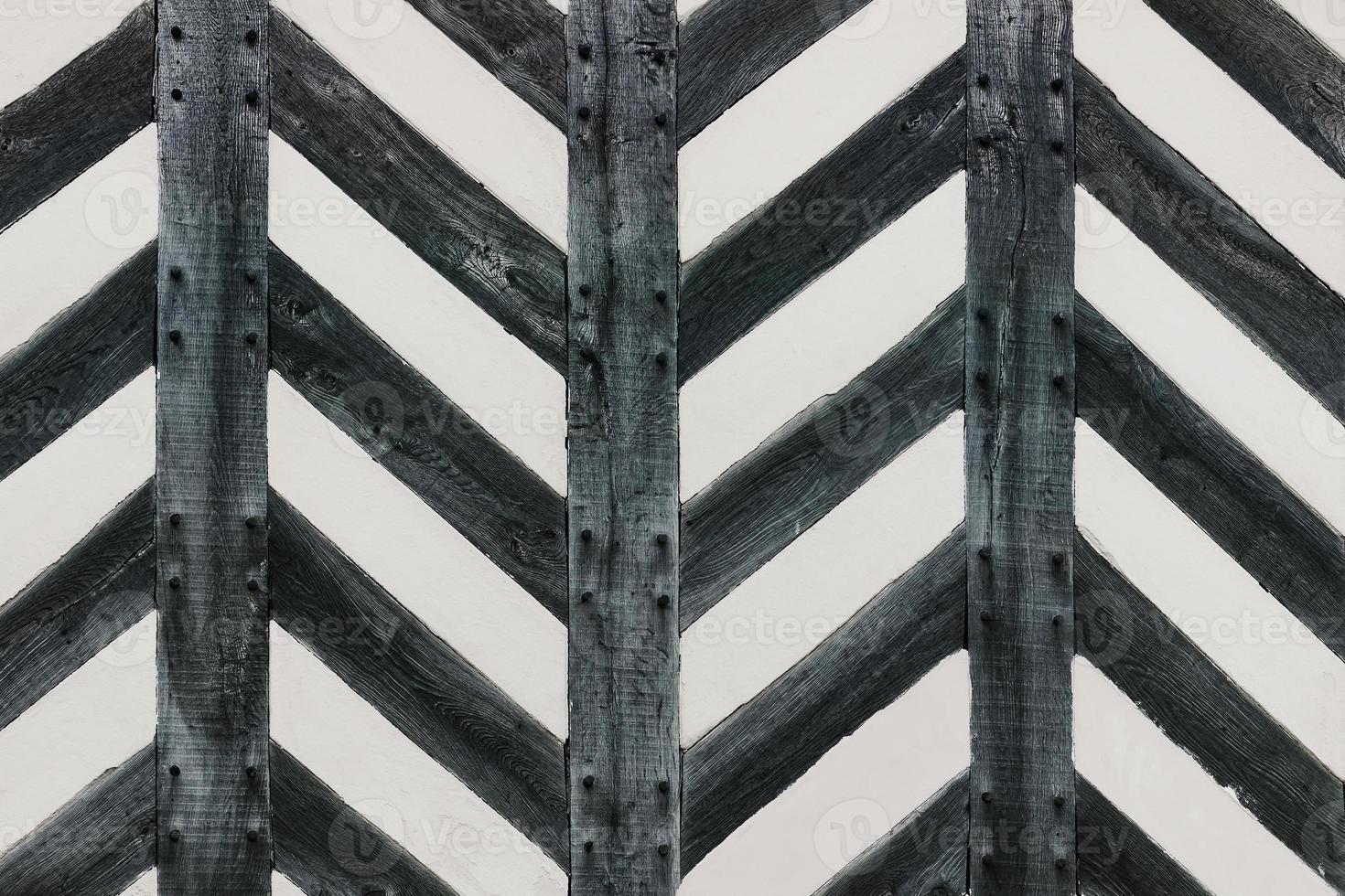 tudor house parete in legno massiccio a forma di zig zag in legno massiccio foto