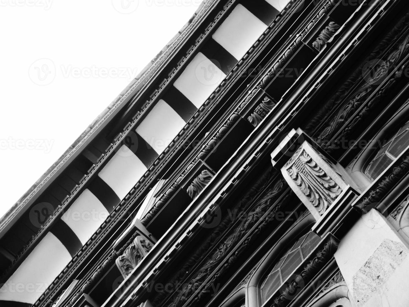 architettura a graticcio tudor foto
