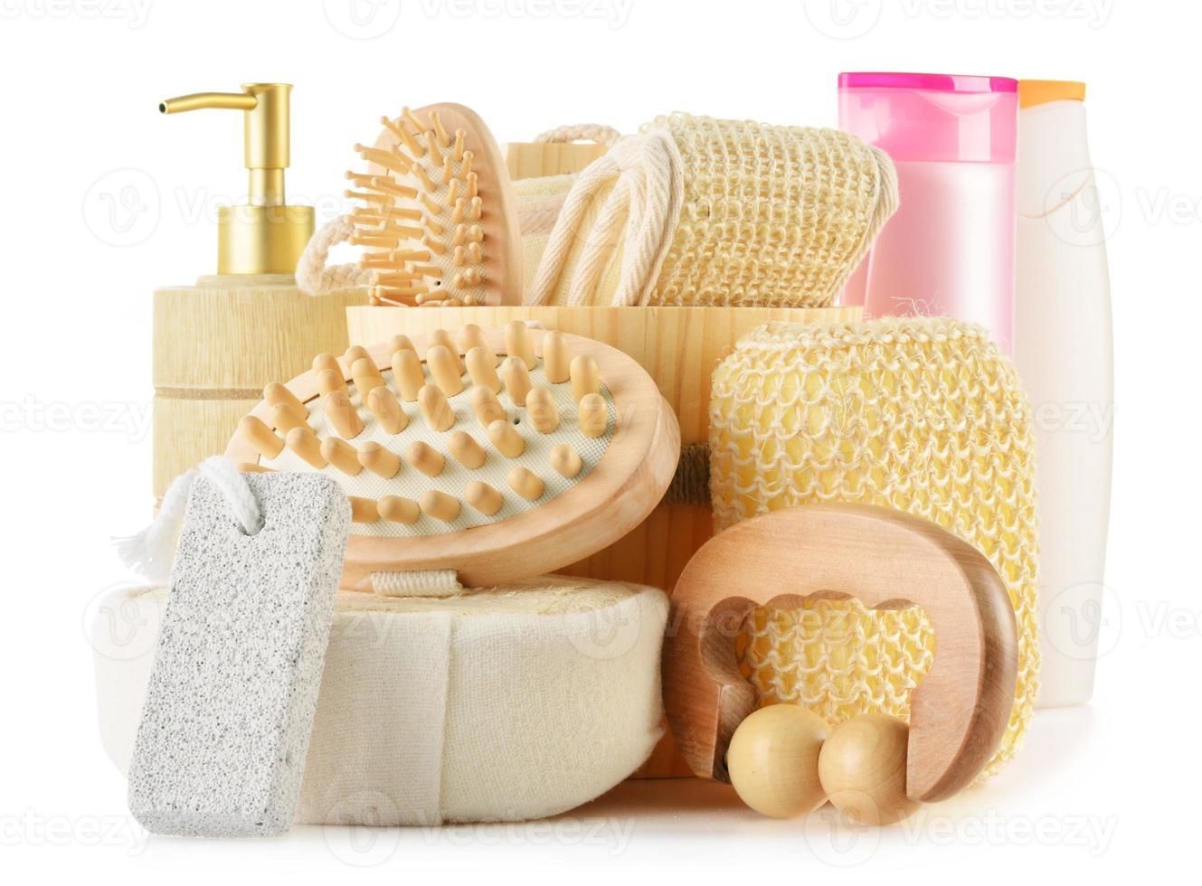 composizione con prodotti per la cura del corpo foto