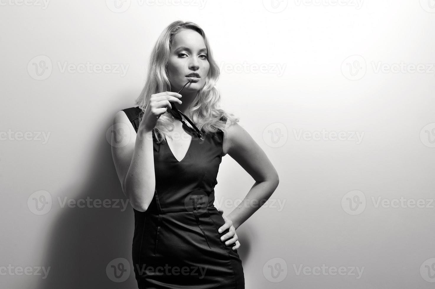 donna al sole. foto