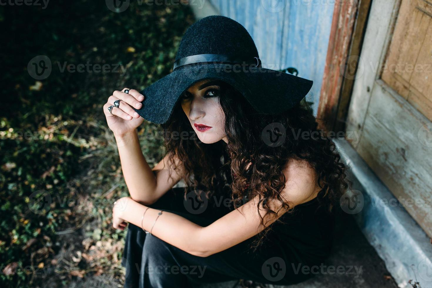 donna vintage come strega foto