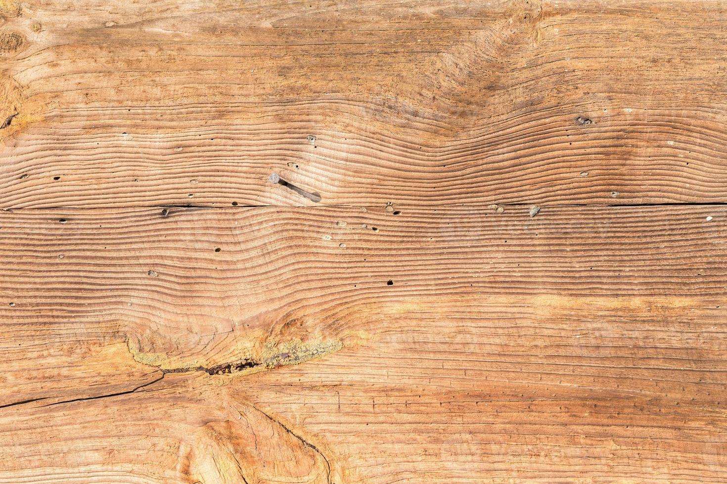 la vecchia struttura in legno con motivi naturali foto