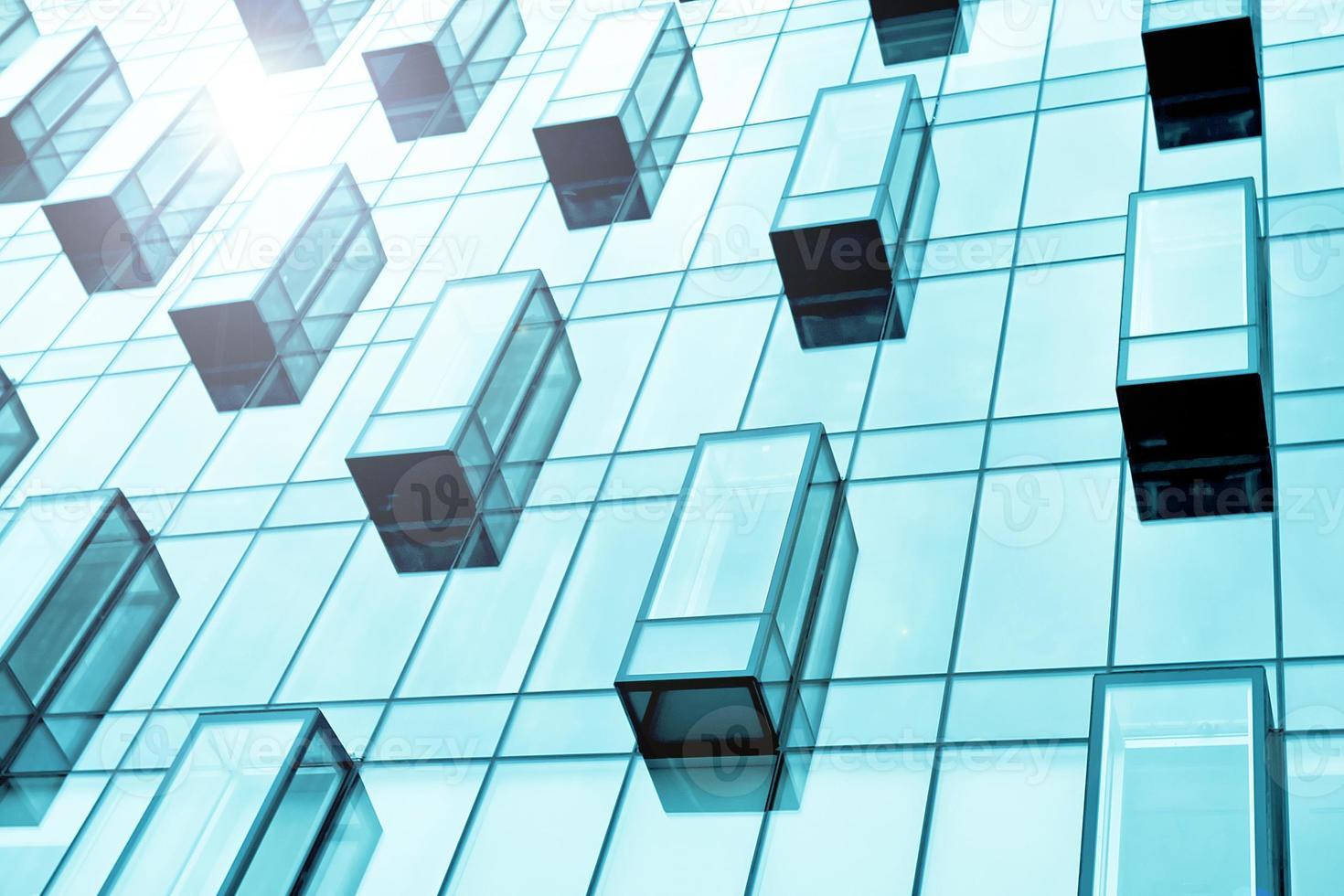 balconi di vetro blu di edificio aziendale foto