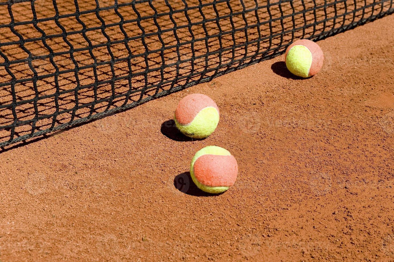 palline da tennis in rete foto