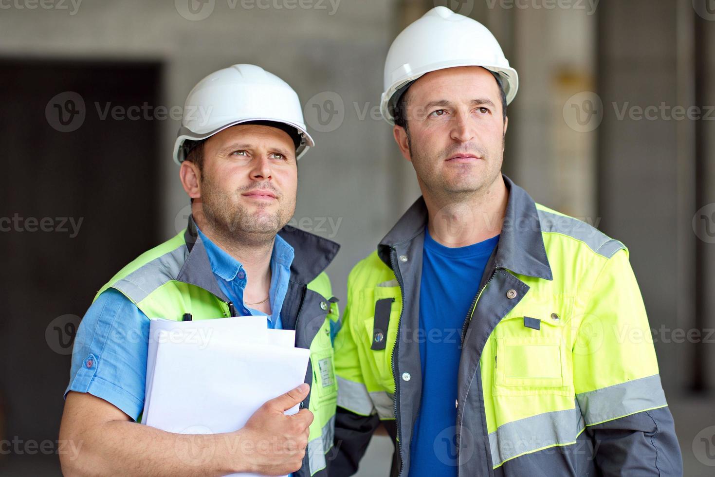 ingegneri civili in cantiere foto
