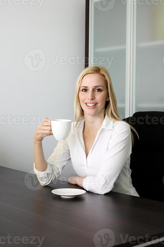 riposando in ufficio foto