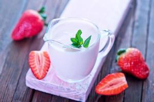 yogurt alla fragola foto