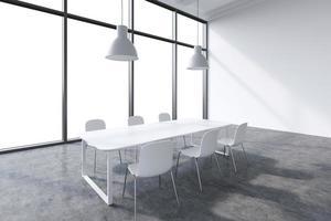 sala conferenze in un moderno ufficio panoramico foto