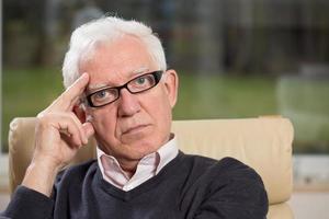 psicoterapeuta concentrato foto