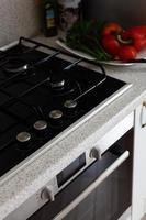 cucina europea bianca pulita foto