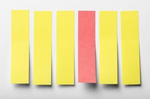 adesivi per ufficio su sfondo bianco foto
