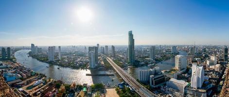 vista di occhi di uccello di paesaggio urbano in Tailandia. foto