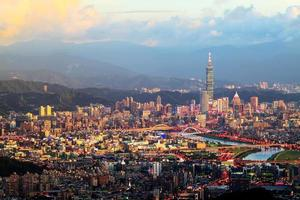 la vista della città di Taipei, Taiwan foto