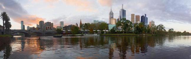 Melbourne e il fiume Yarra foto