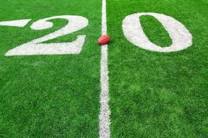 campo di calcio con palla foto