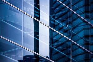 finestre dell'edificio commerciale foto