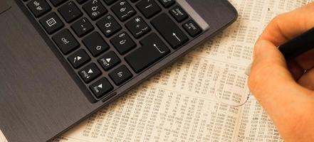 Iscriviti indice azionario foto