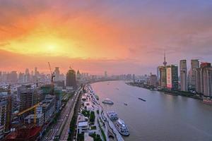 città moderna all'alba, skyline di shanghai foto