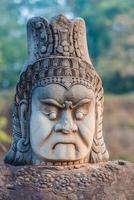 Statua Khmer South Gate Bridge Angkor Thom Cambogia foto