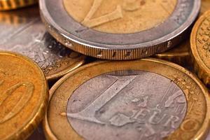 monete in euro in oro foto