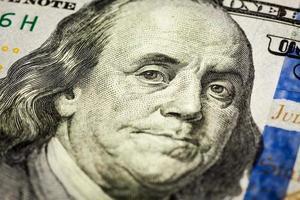 colpo di macro del ritratto di Benjamin Franklin della fattura 100