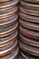 pila di monete americane foto