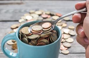 monete in tazza foto