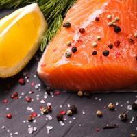 pezzo di salmone foto