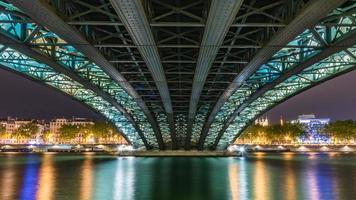 vista sul livello del mare del ponte dell'Università di Lione, Francia foto