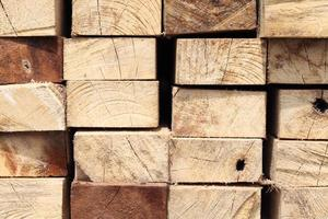 pila di legno duro foto