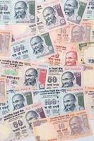 primo piano delle note di valuta indiane foto