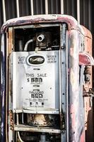 vecchio serbatoio di gas foto
