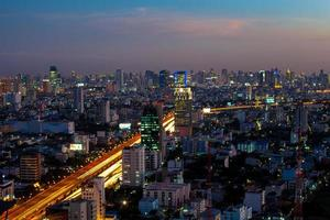 paesaggio urbano di twilight