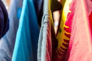 vestiti da bucato foto