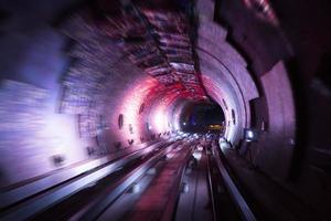 tunnel colorato brillante cerchio foderato sfondo foto