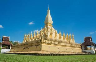punto di riferimento di viaggio del Laos, pagoda dorata wat phra quel luang foto