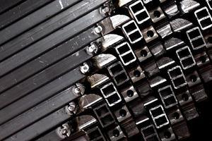 tubo quadrato di metallo