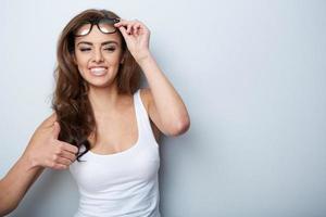 donna con gli occhiali foto