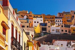 città san sebastian - isola di la gomera - canarino foto