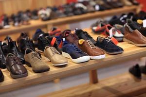 scarpe sullo scaffale