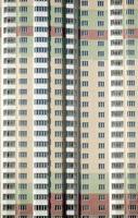 il nuovo edificio residenziale moderno è pronto per vivere foto