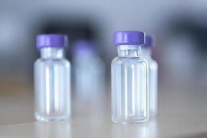 fiale di flaconi di medicinali per insulina foto